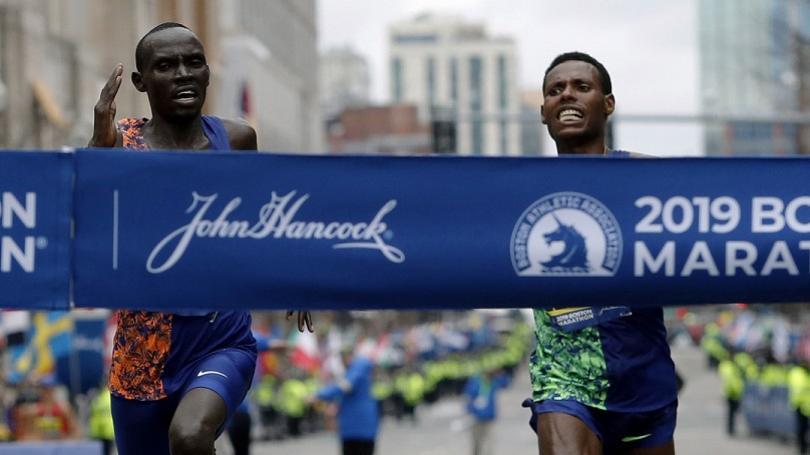VIDEO: Keňan Cherono a Etiópčanka Degefová víťazmi maratónu v Bostone