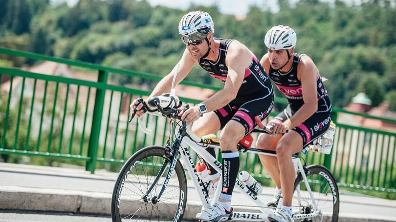 Šport ma naučil nevzdávať sa, tvrdí nevidomý triatlonista Moflár