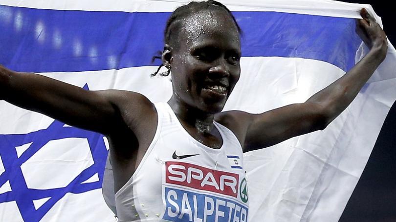 Salpeterovej rekord na maratóne v Prahe, Sahajda napokon neštartoval