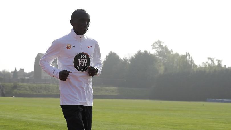Kde pobeží maratónsky rekordér Kipchoge - na MS v Dauhe alebo v Berlíne?