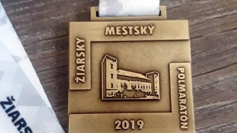 Novinkou desiateho ročníka Žiarskeho polmaratónu bude aj nová medaila