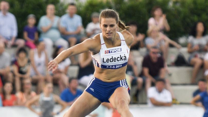 Souleiman prekonal najstarší rekord P-T-S, svetový výkon roka Czakovej, národné maximum Ledeckej, Gajanová 2.