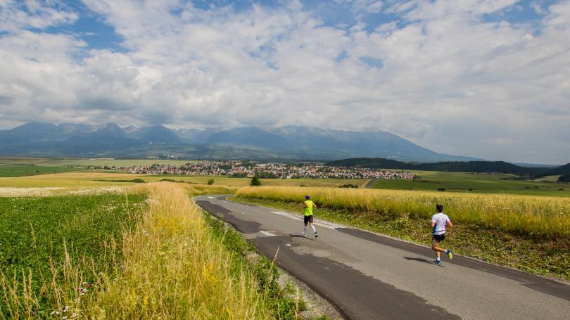 Malý štrbský maratón privíta rekordný počet bežcov