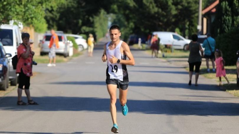 Rajecký maratón pre Starodubtseva, v polmaratóne víťazne Hladík