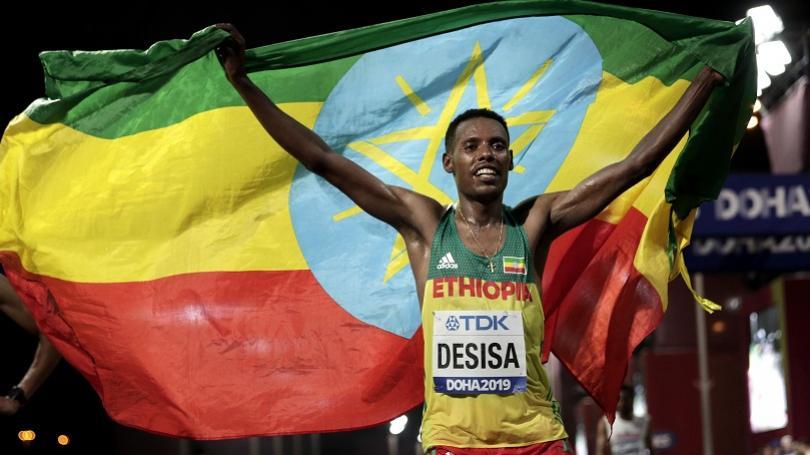 VIDEO: V mužskom maratóne etiópsky triumf po 18 rokoch, šampión je Desisa