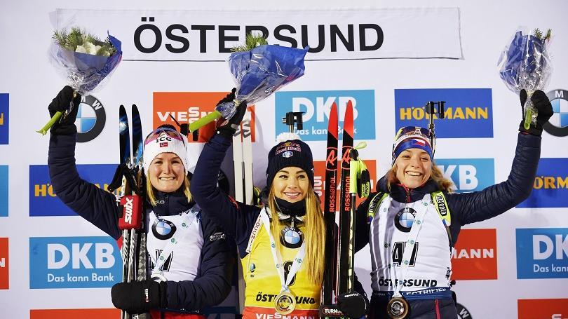 V šprinte víťazstvo Wiererovej, v súboji sestier Fialkových v Östersunde lepšia Ivona