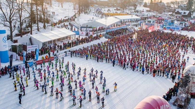 FOTO: 7 000 pretekárov, 30 národností, jedinečná atmosféra. To je legendárna Jizerská 50!