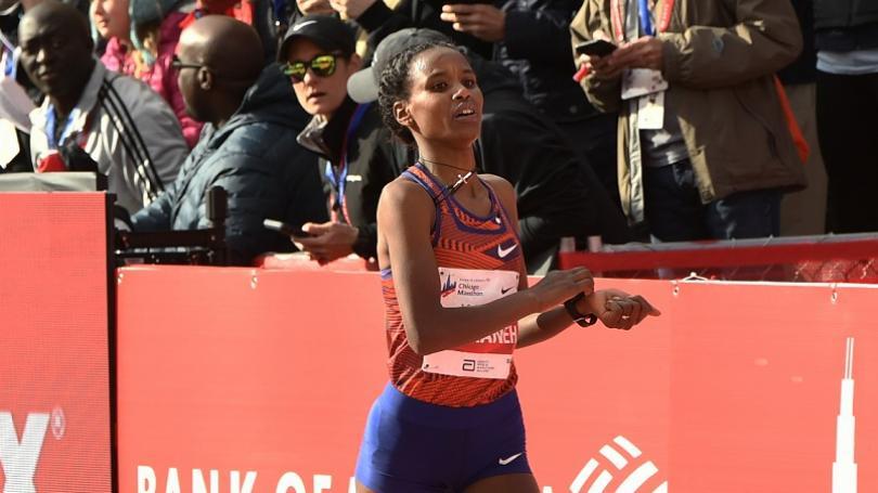 VIDEO: Etiópčanka Yeshanehová zlepšila svetový rekord v polmaratóne