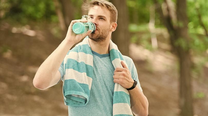 Viete prečo je minerálna voda hodnotnejšia ako voda z kohútika?