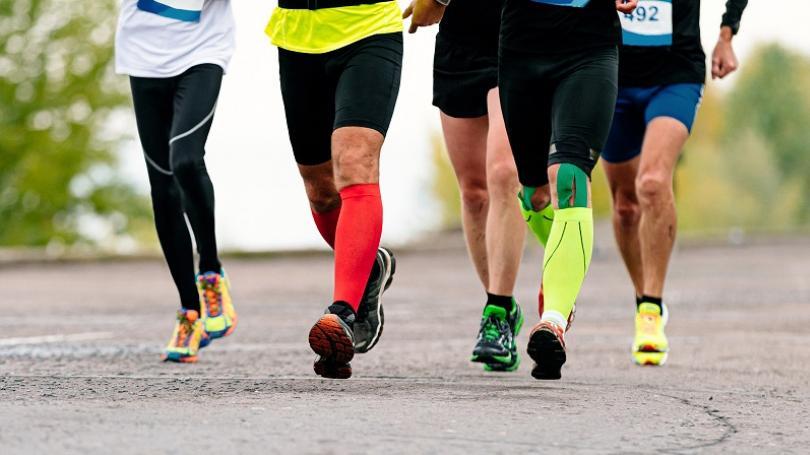 Epidemická situácia sa zlepšuje, od budúceho týždňa sa povoľuje šport v exteriéri v skupine 6 osôb a s testom