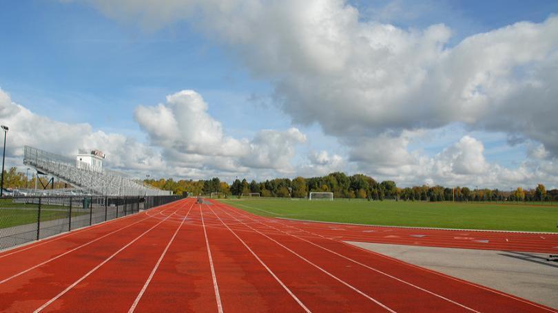 VIDEO: Atletický štadión v Spišskej Novej Vsi má viac ako 50 rokov, mesto začalo s revitalizáciou